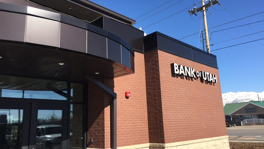 Picture of new Bank of Utah Roy branch with construction almost finished.